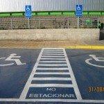 Estacionamientos bien demarcados