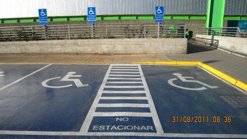 ¿Qué se hace en una Mesa de Trabajo? Mejorando el diseño, reglamento y fiscalización de los estacionamientos reservados para personas con discapacidad