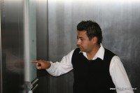 ascensor que hizo accesible edificio de oficinas públicas