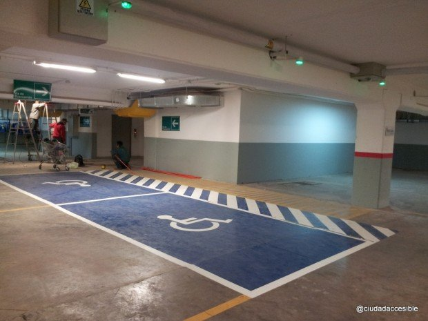 Dos estacionamientos más a medio camino en último nivel