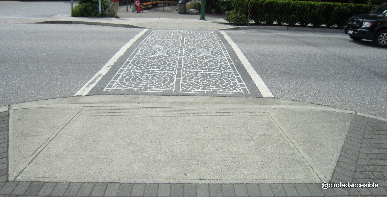accesibilidad universal en el cruce peatonal