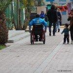 Sereno (Guardias municipales) en silla de rueda patrullan las calles de Miraflores