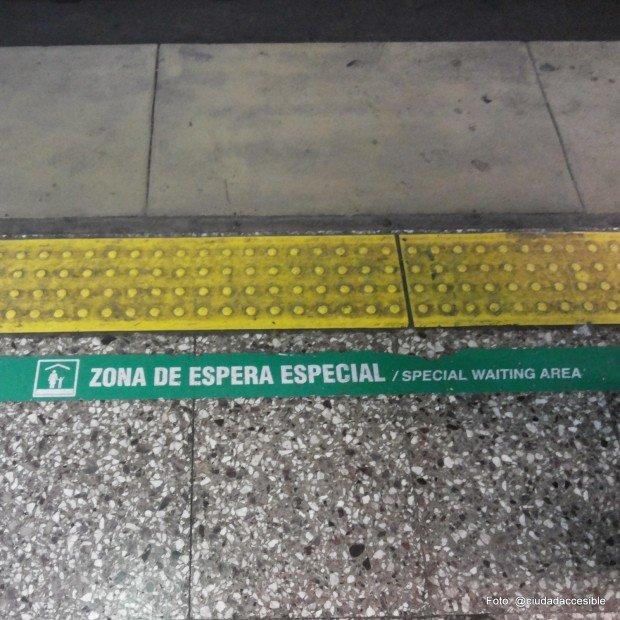 Zona de espera para mujeres, niños y adultos mayores