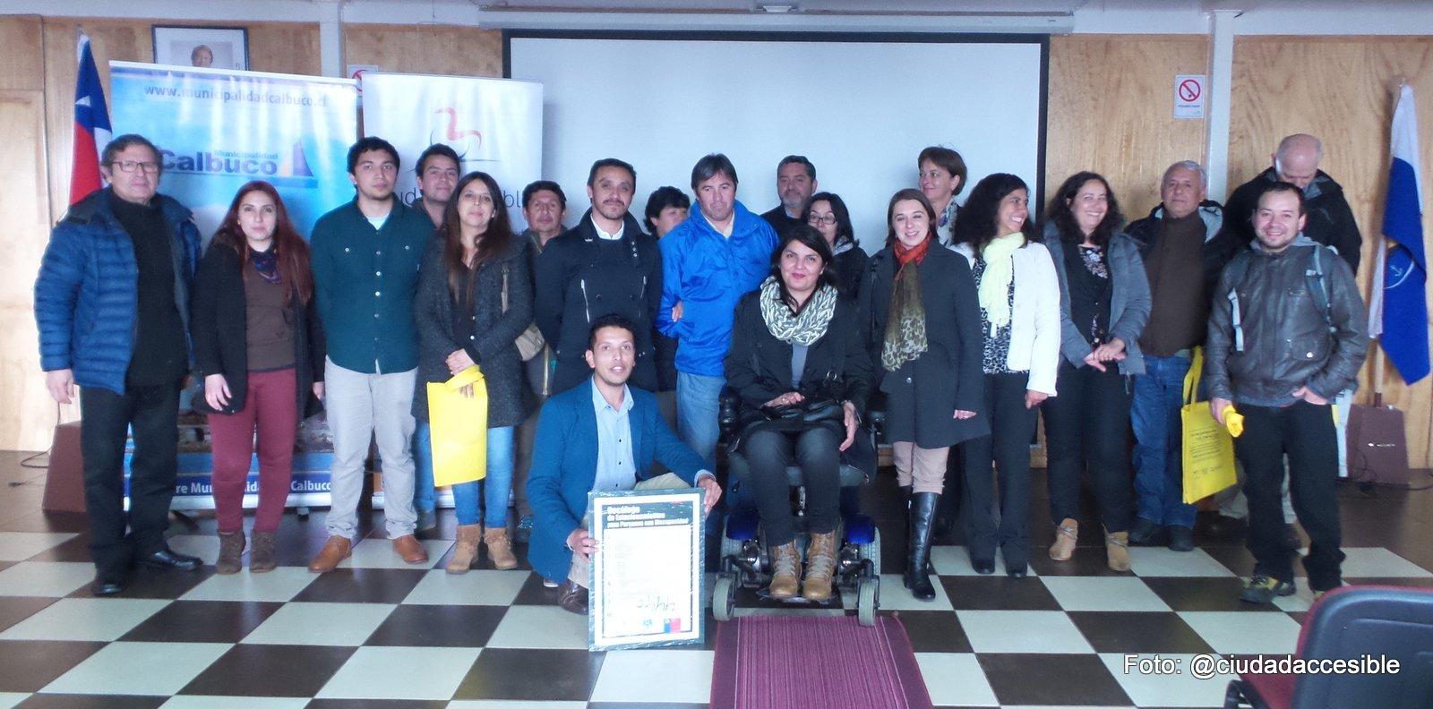 asistentes y organizadores encuentro accesibilidad universal calbuco
