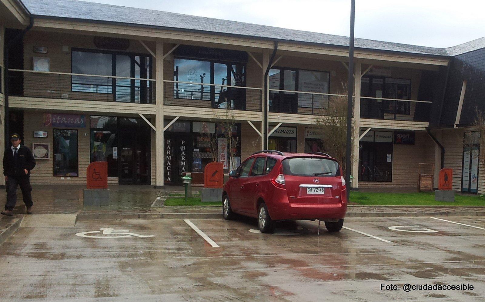estacionamientos centro comercial doña ema