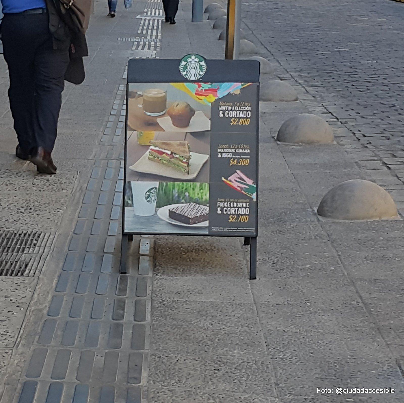 carteles con propaganda interrumpen la guía táctil