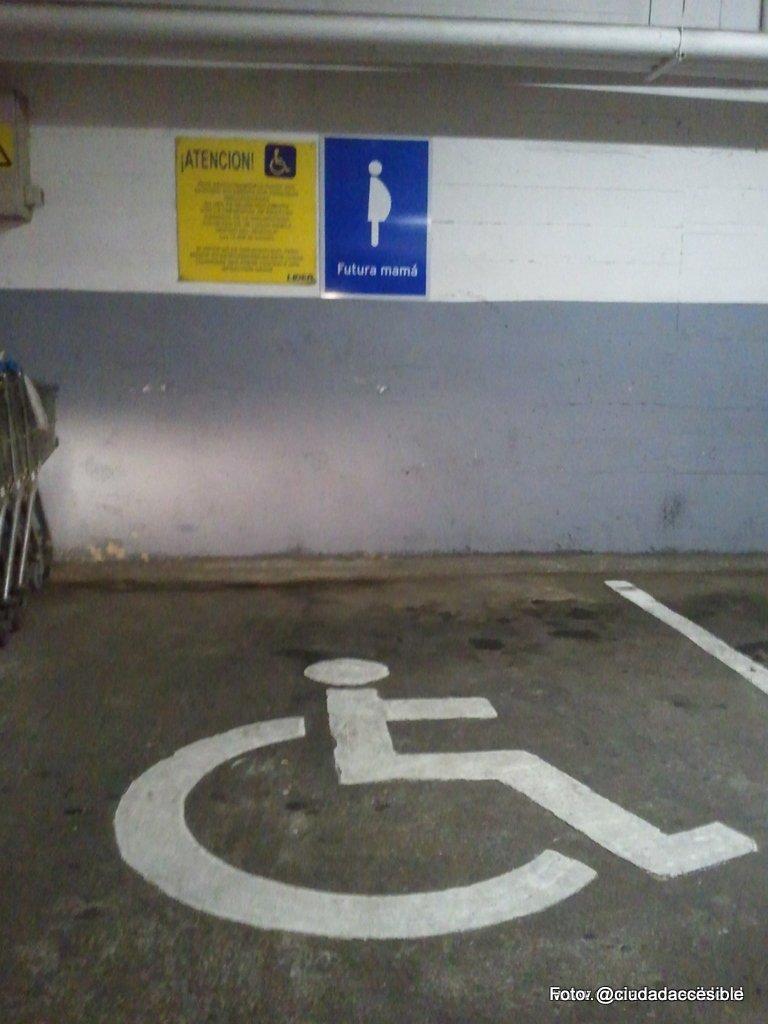 Lider Puerto Varas estacionamiento compartido con embarazadas