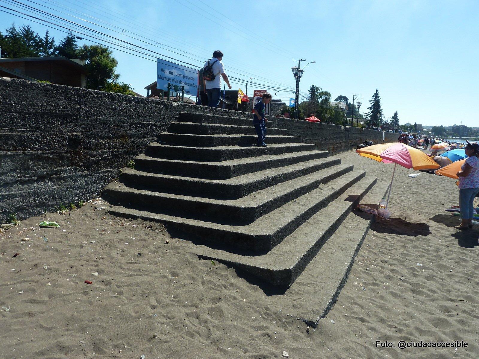 entradas a la playa inaccesibles