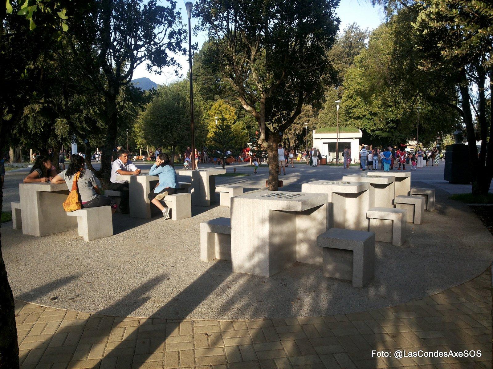 Sector Juego de damas o ajedrez inaccesibles para personas en silla de ruedas Pucon