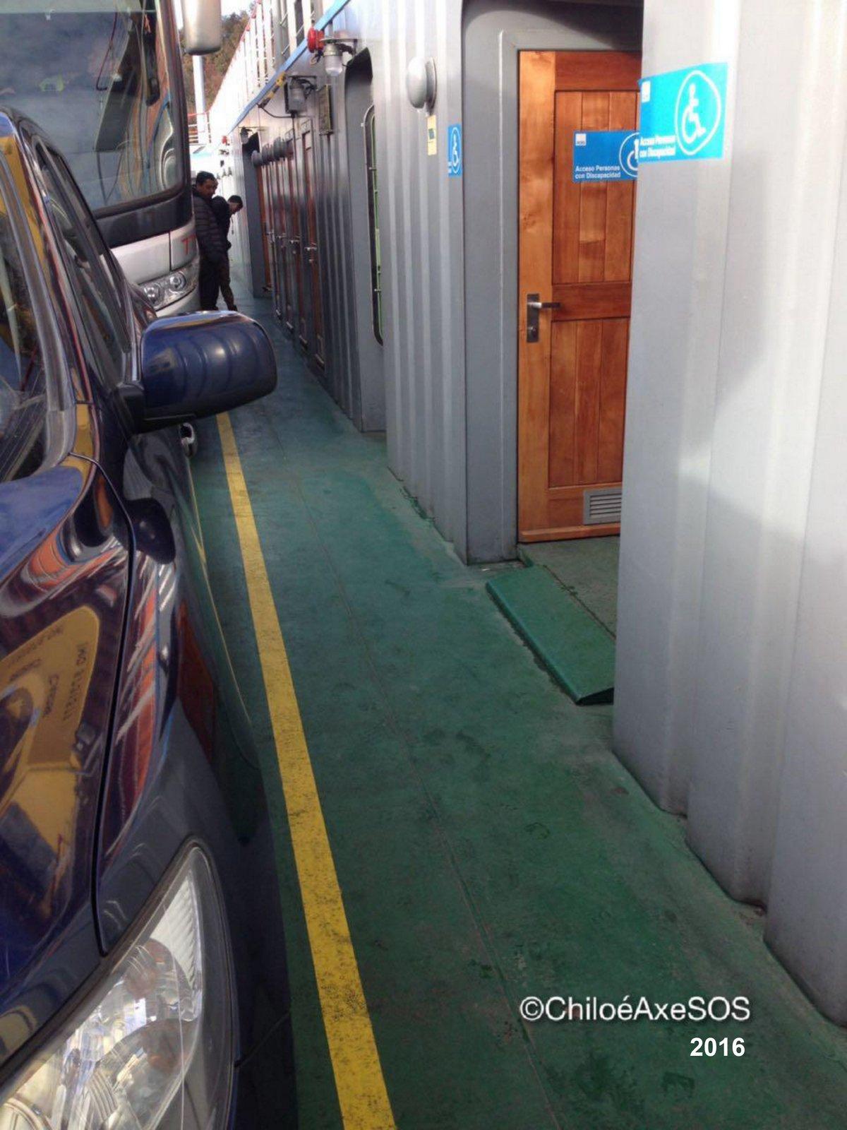 circulación en interior de transbordador chiloé