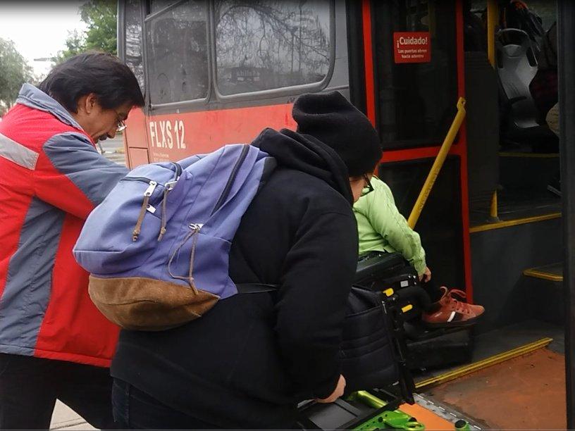 Foto: Acceso no autónomo al bus