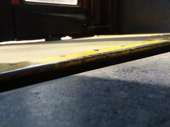 Foto: Rampa de acceso a bus que no ajusta con nivel de piso