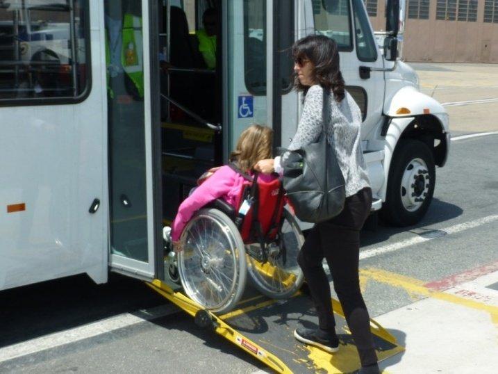 Foto: La seguridad de abordar un bus ante la presencia del chofer hacen del acceso cercano al chofer una opción más segura y confiable para el usuario