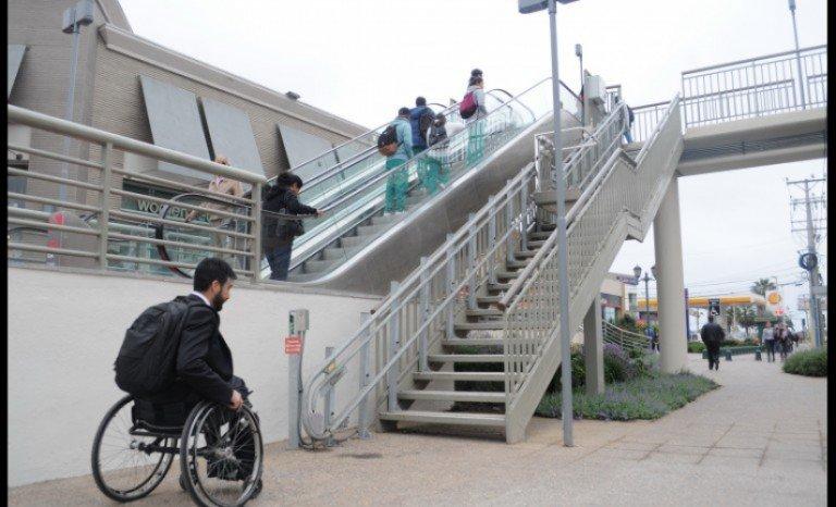 Pasarela inaccesible mall plaza La Serena Foto: Diario El Día Edición 30112016