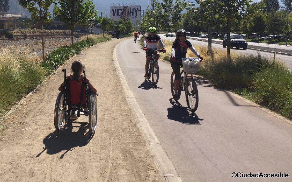 42K con alternativa peatonal de maicillo que corre contigua