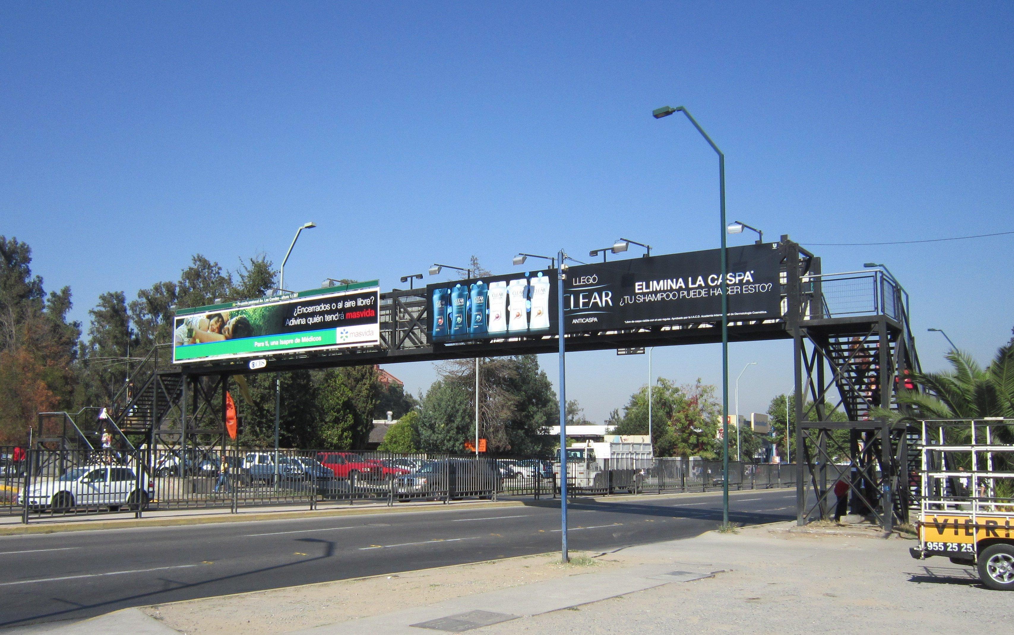 Pasarela peatonal Av Las Condes Altura 12587