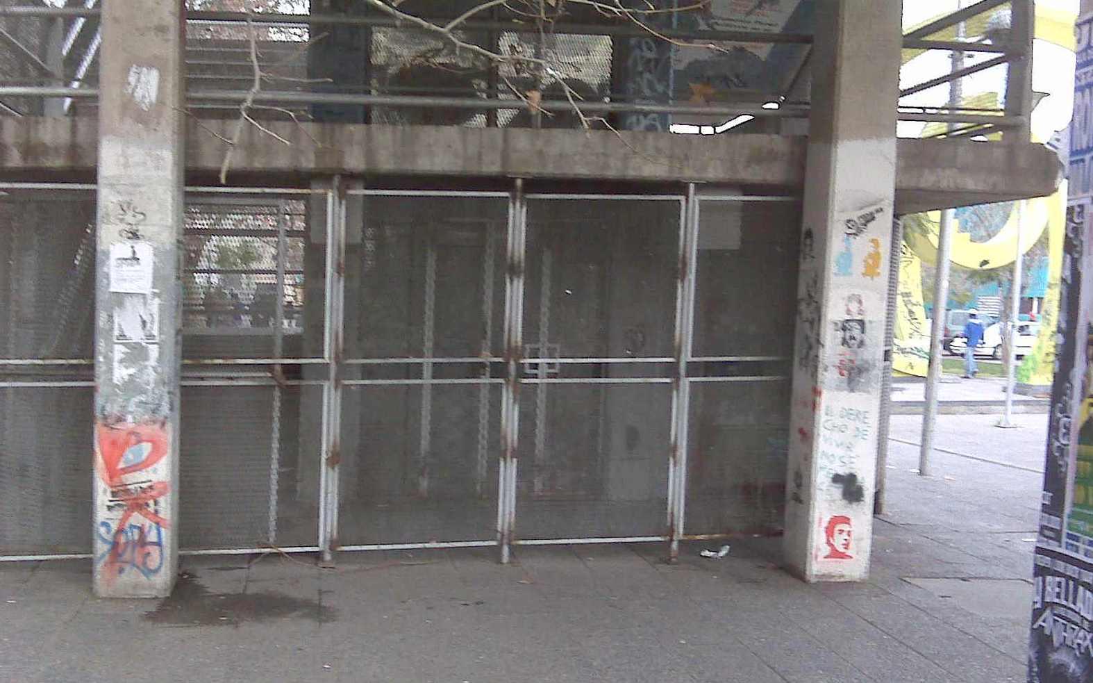 ascensor Pasarela peatonal Huérfanos