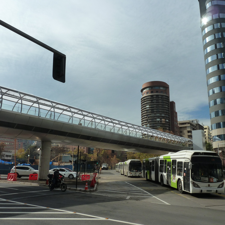 pasarela peatonal costanera center