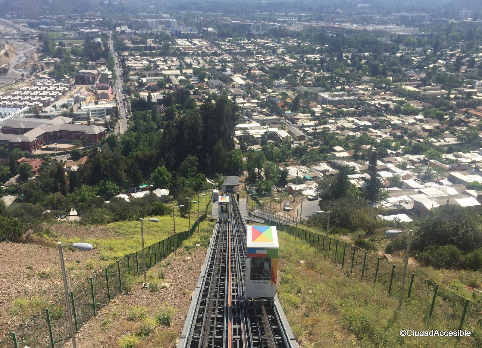 Vista del Ascensor Cerro 18 en Lo Barnechea hacia la ciudad