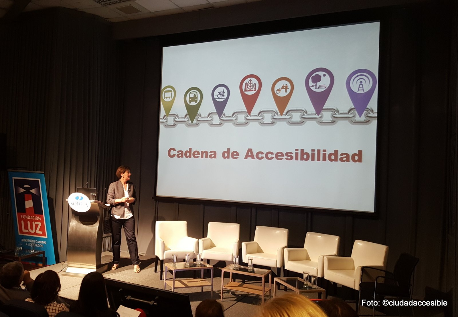 Exposición de Ciudad Accesible en Seminario Fundación Luz - Sofofa