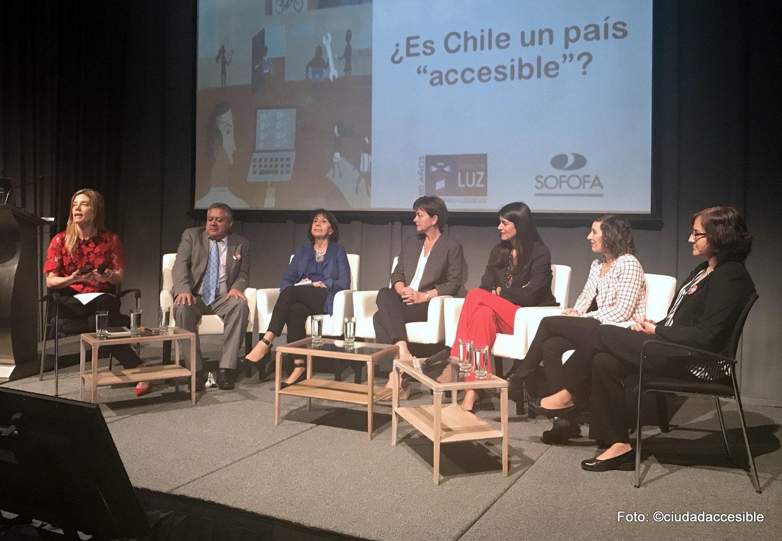 Expositores de Seminario Fundación Luz - Sofofa. Mónica Rincón, Miguel Ulloa, Cecilia Leiva, M. José Fuentealba, Pamela Prett, Paola Alvano