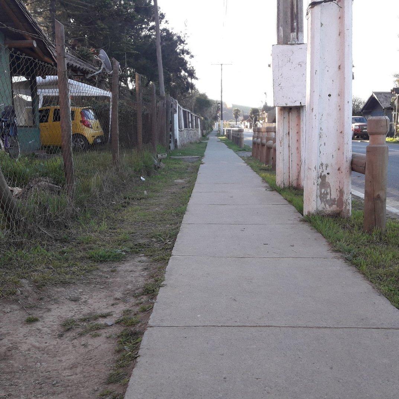 Veredas que corresponde a una buena ruta accesible en la comuna de Pumanque