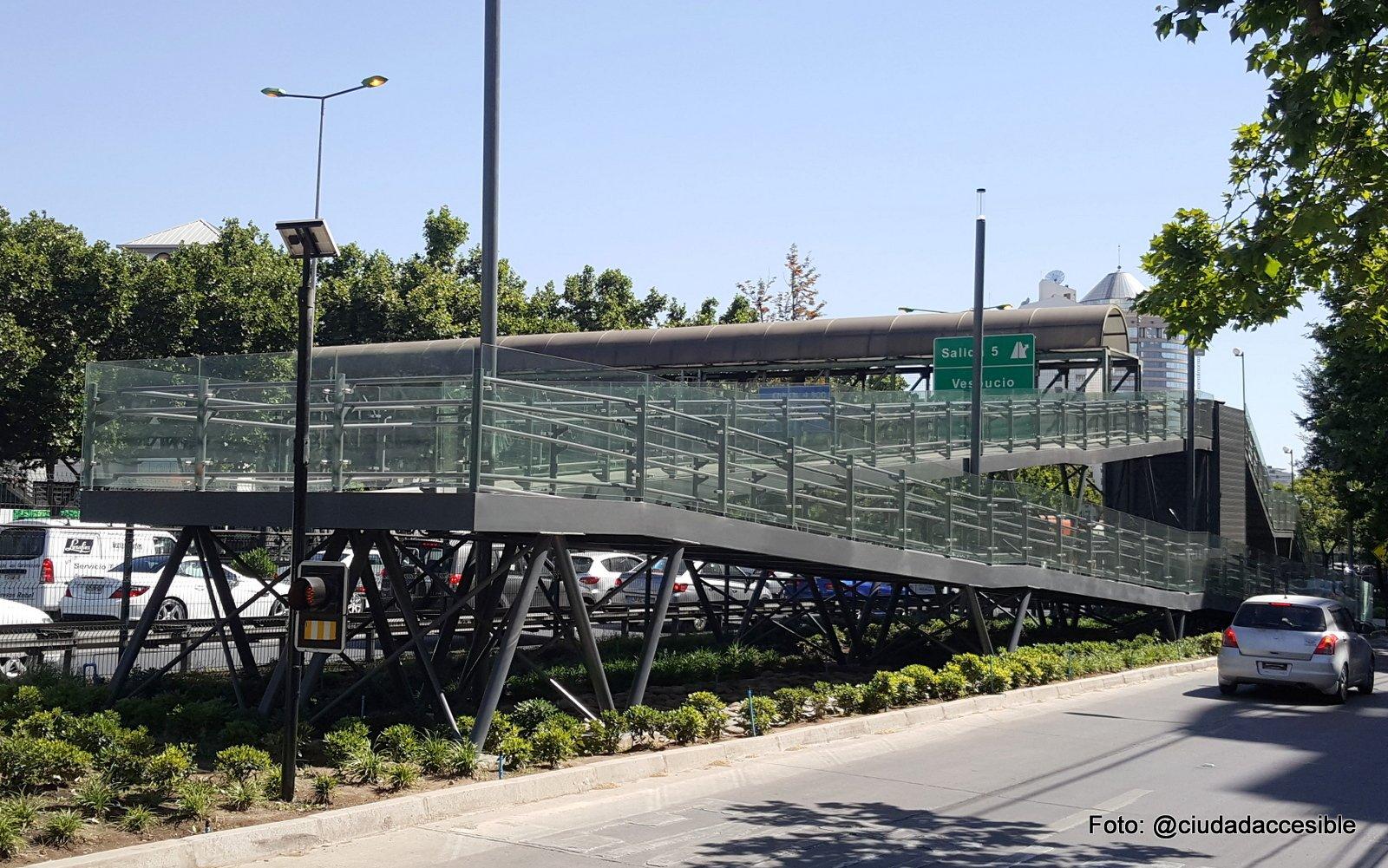 termino de construcción de rampa en pasarela peatonal noviembre de 2017