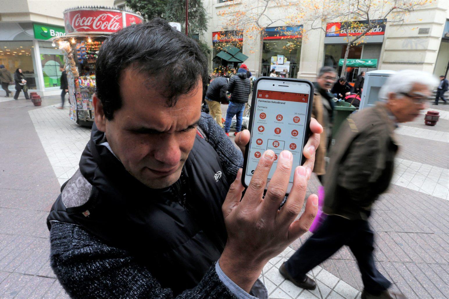 LazarillApp, aplicacion para celulares que guia a personas ciegas y con baja vision.