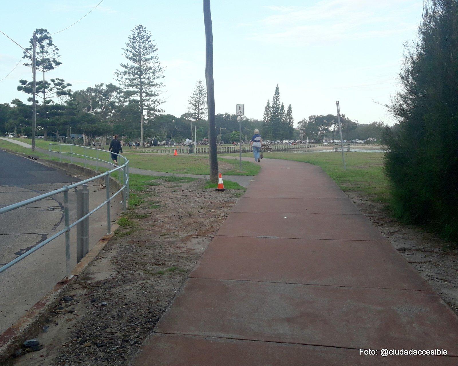 vista de sendero peatonal en Parque Coffs Harbor