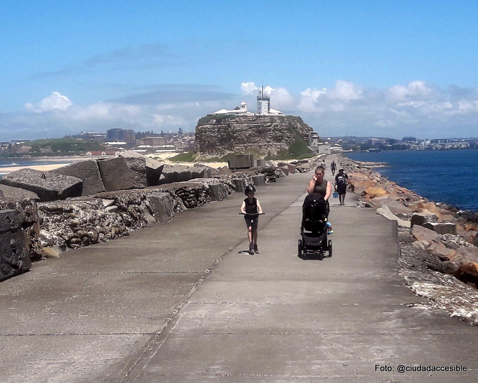 Sendero peatonal en Playa New Castle