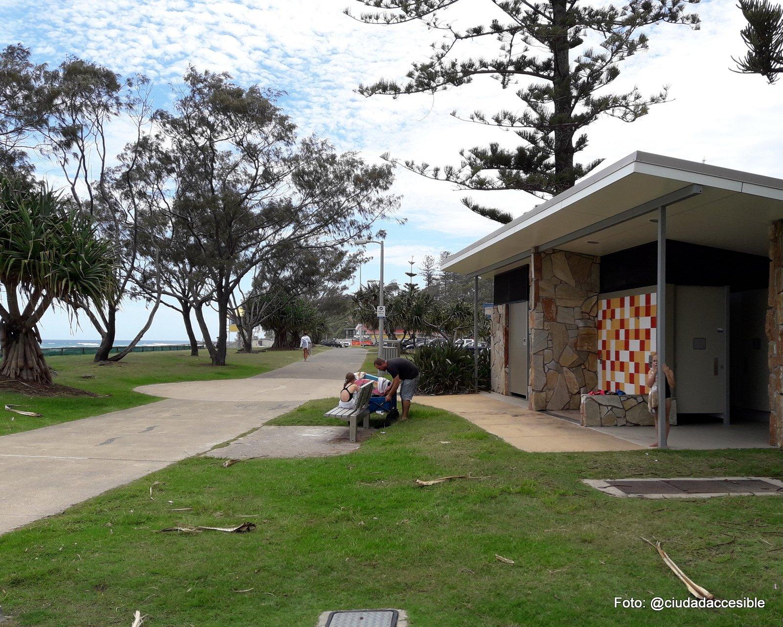 Baño público en Playa GoldCoast Brisbane