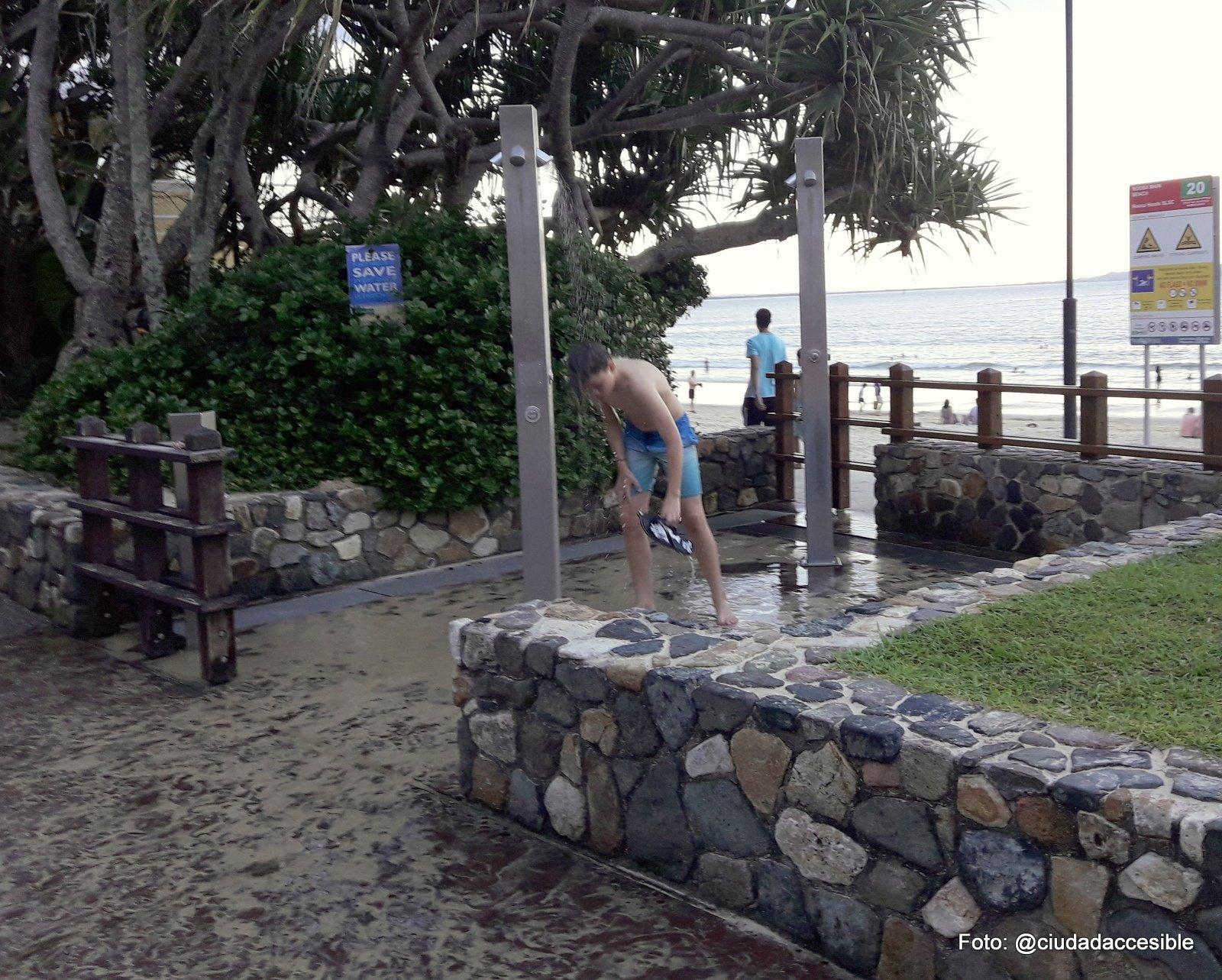Ducha en Playa Nussa Brisbane